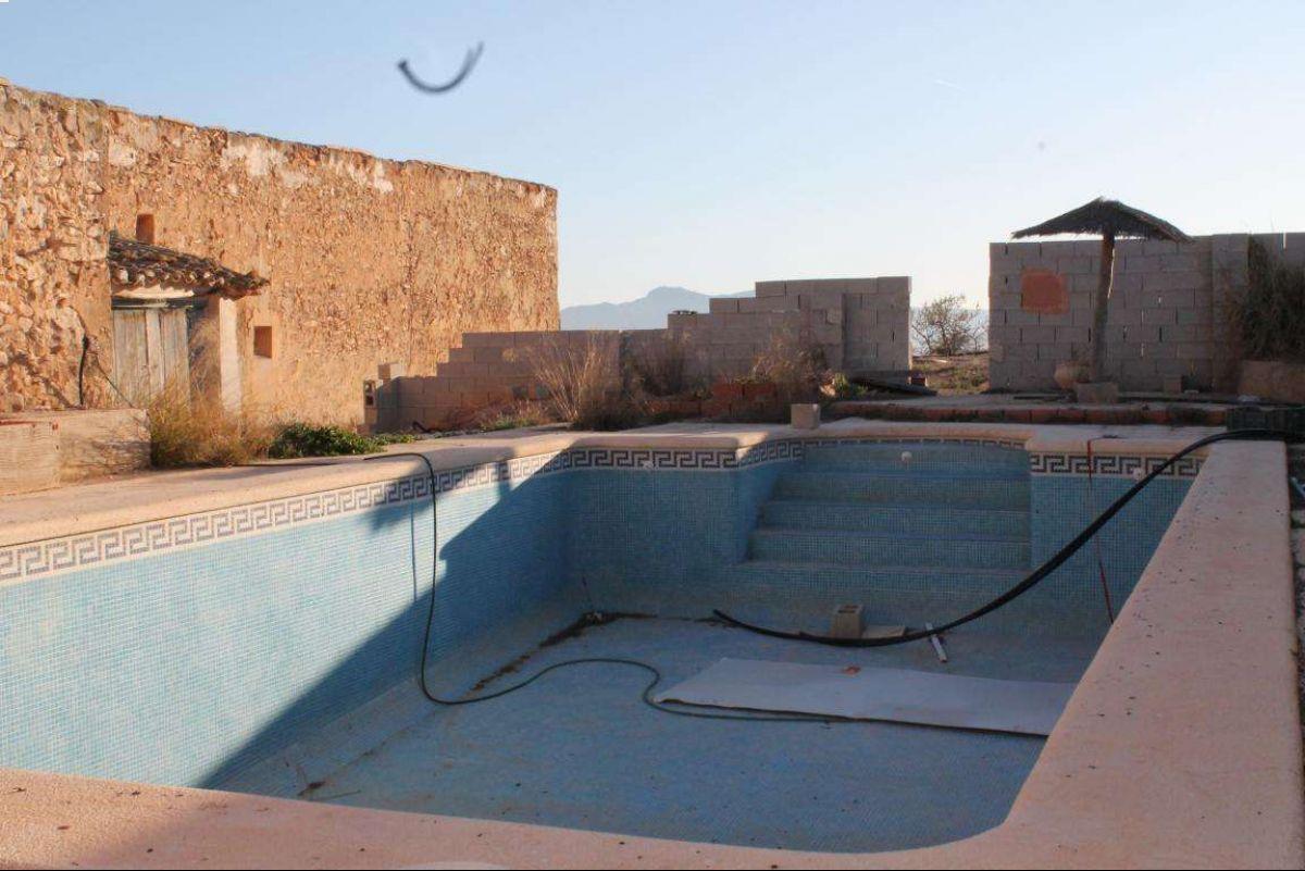 Casa de campo cerca de Pinoso Alicante