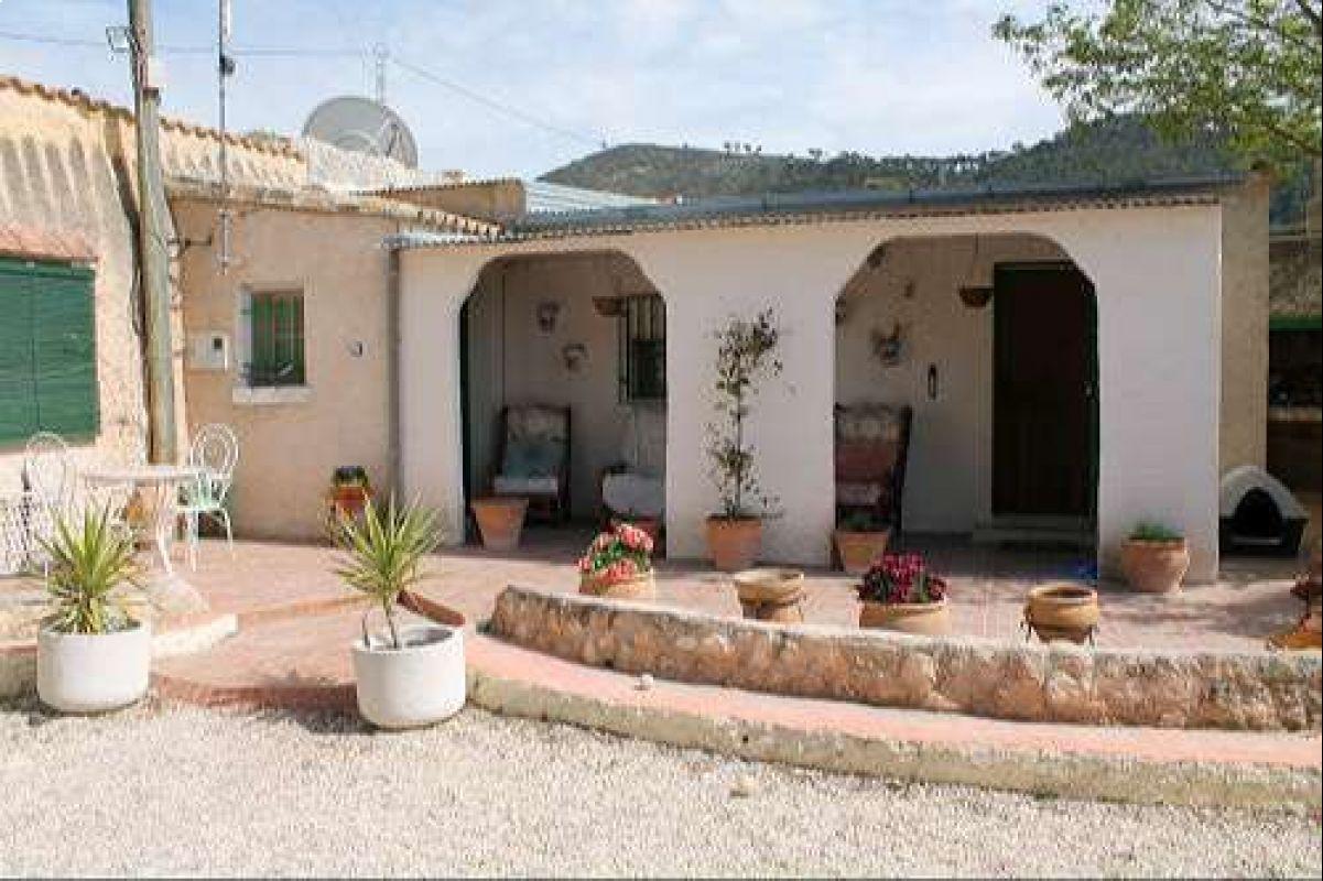 Casa de campo en Pinoso, Alicante