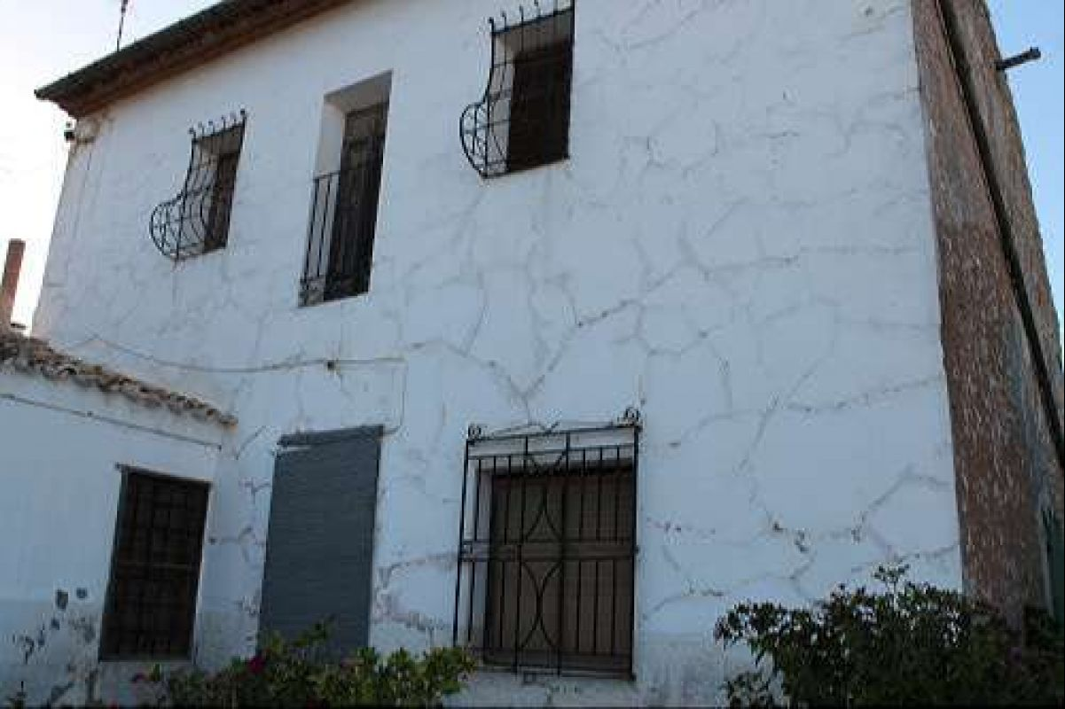1155: country house in Jumilla
