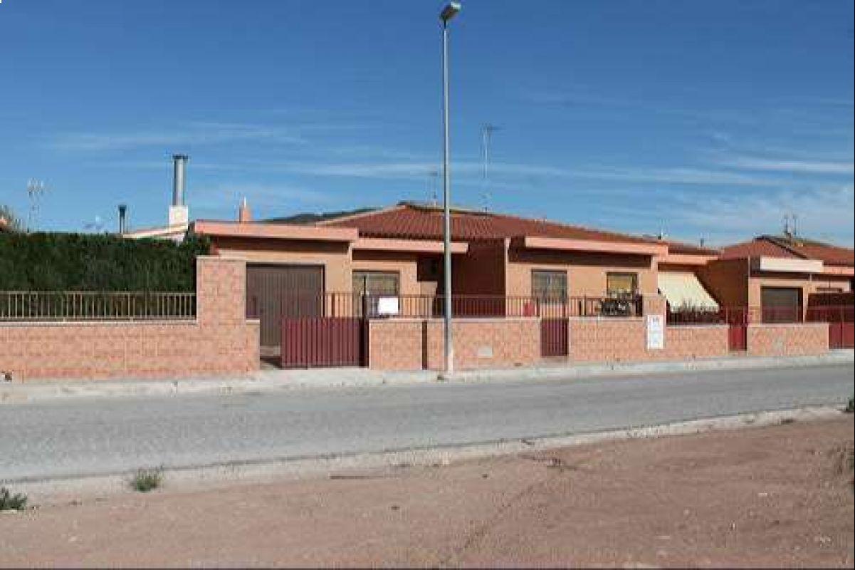 1303: Townhouse in Pinós, el/Pinoso