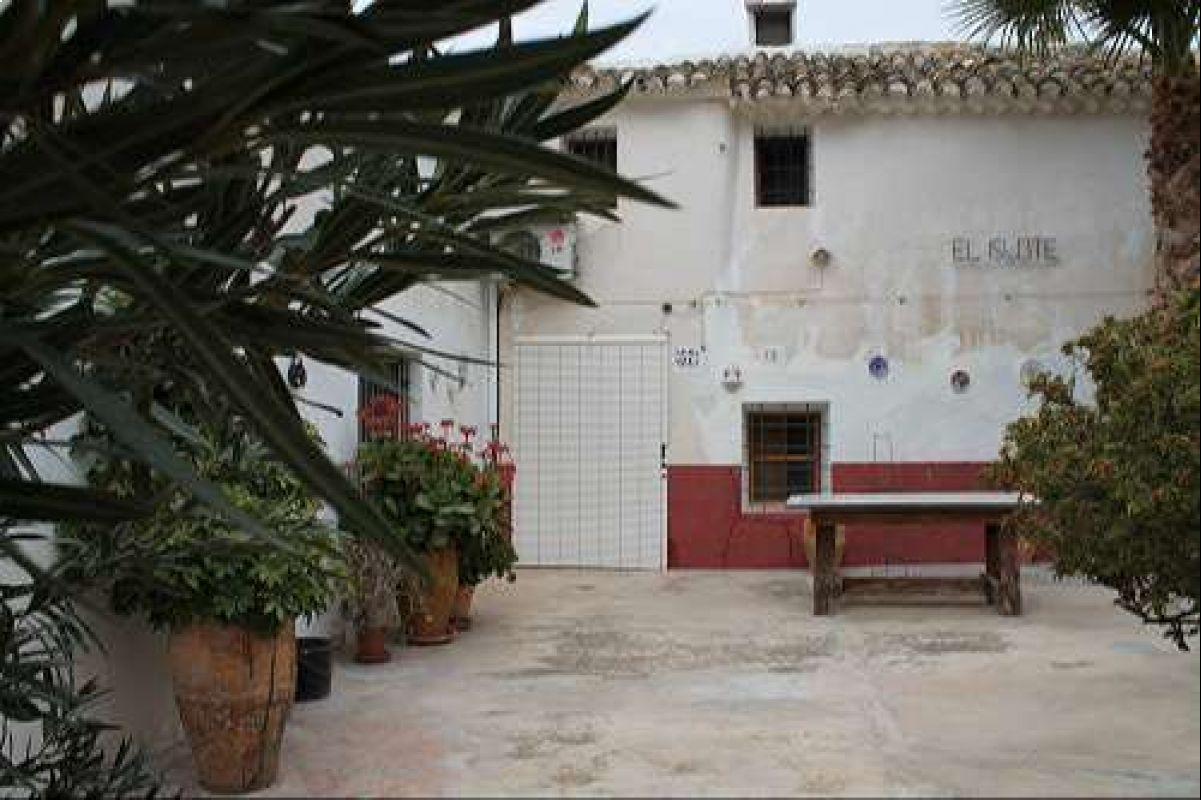 1403: House/Villa in Pinós, el/Pinoso