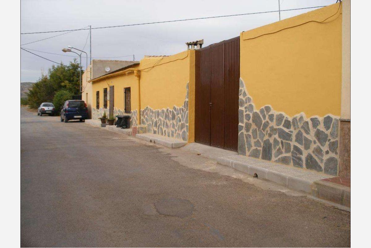2132: Townhouse in Jumilla