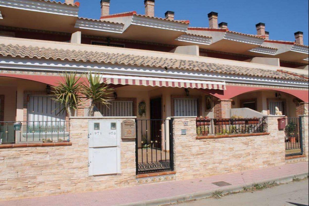 2145: Townhouse in Pinós, el/Pinoso