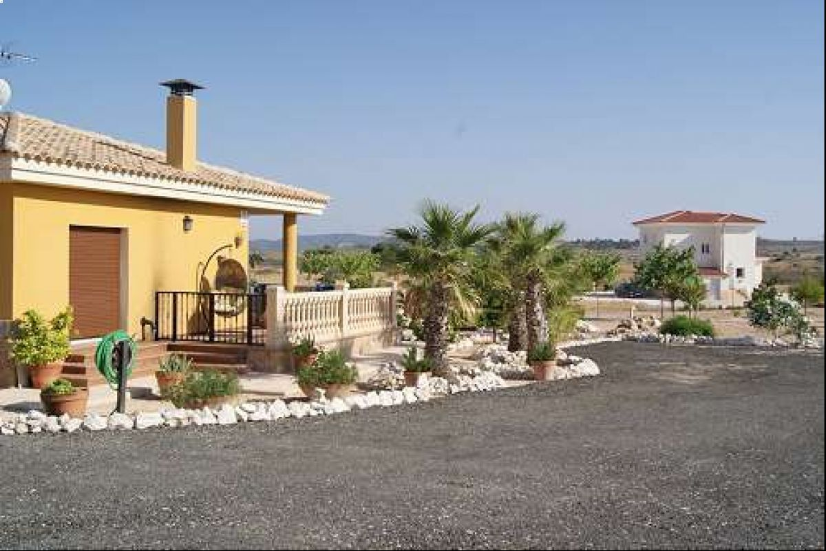 2148: House/Villa in Pinós, el/Pinoso