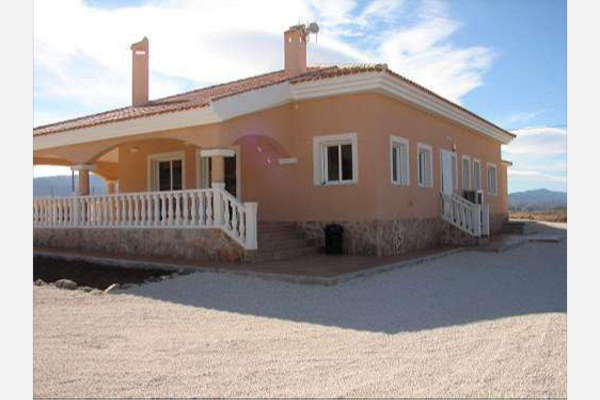 Villas de nueva construcción en Pinoso, Alicante
