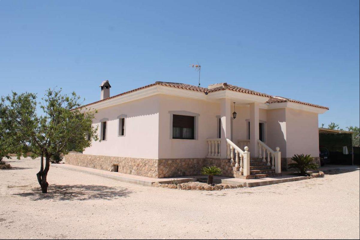 2236: House/Villa in Pinós, el/Pinoso