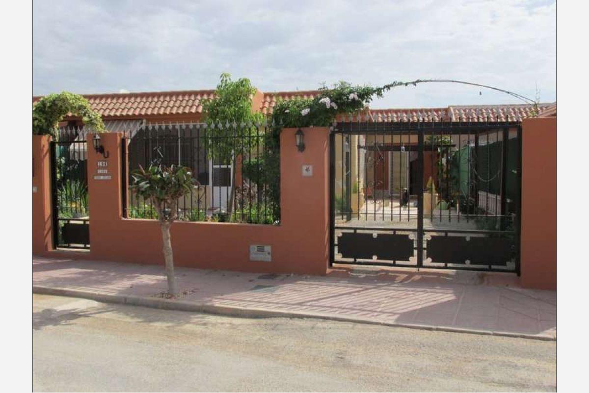 2255: House/Villa in Cartagena