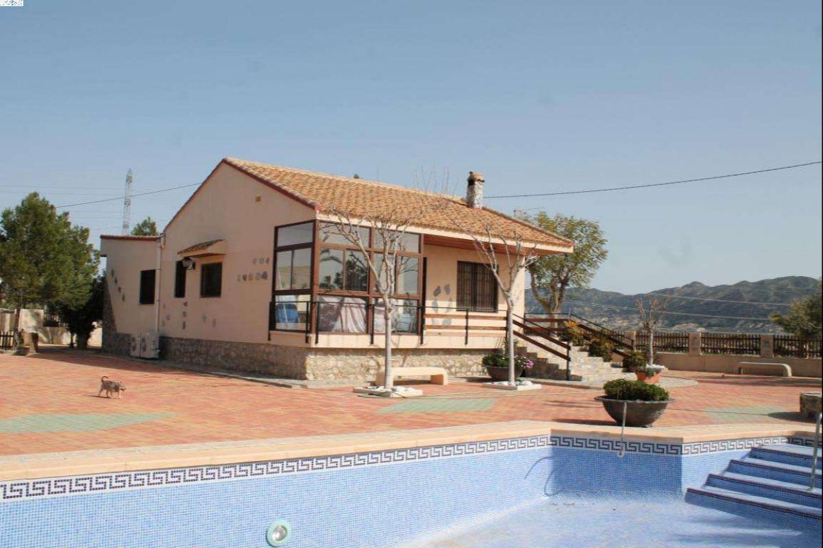 2335: House/Villa in Abanilla