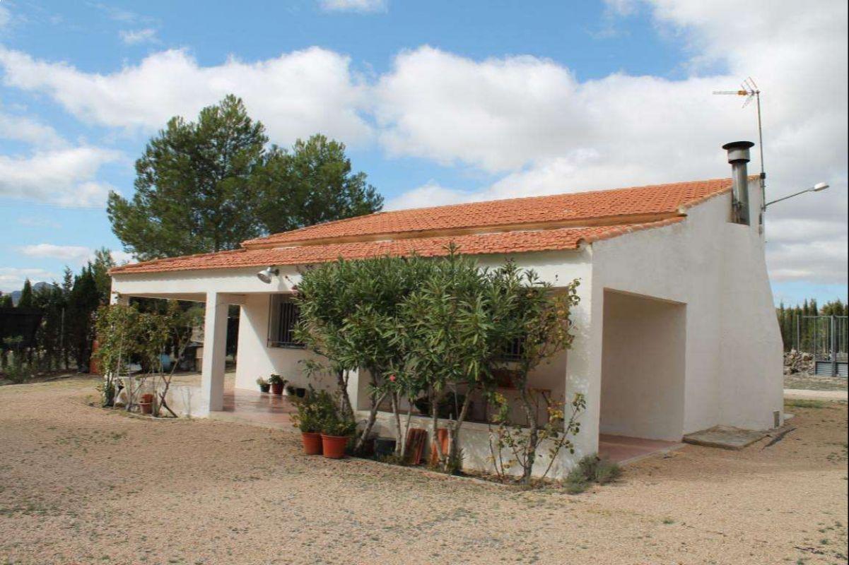 2371: House/Villa in Yecla
