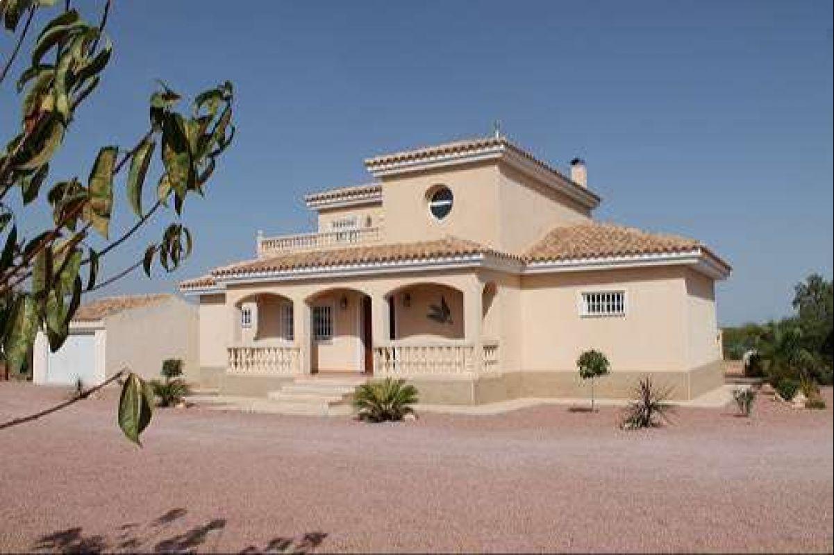 2395: House/Villa in Pinós, el/Pinoso