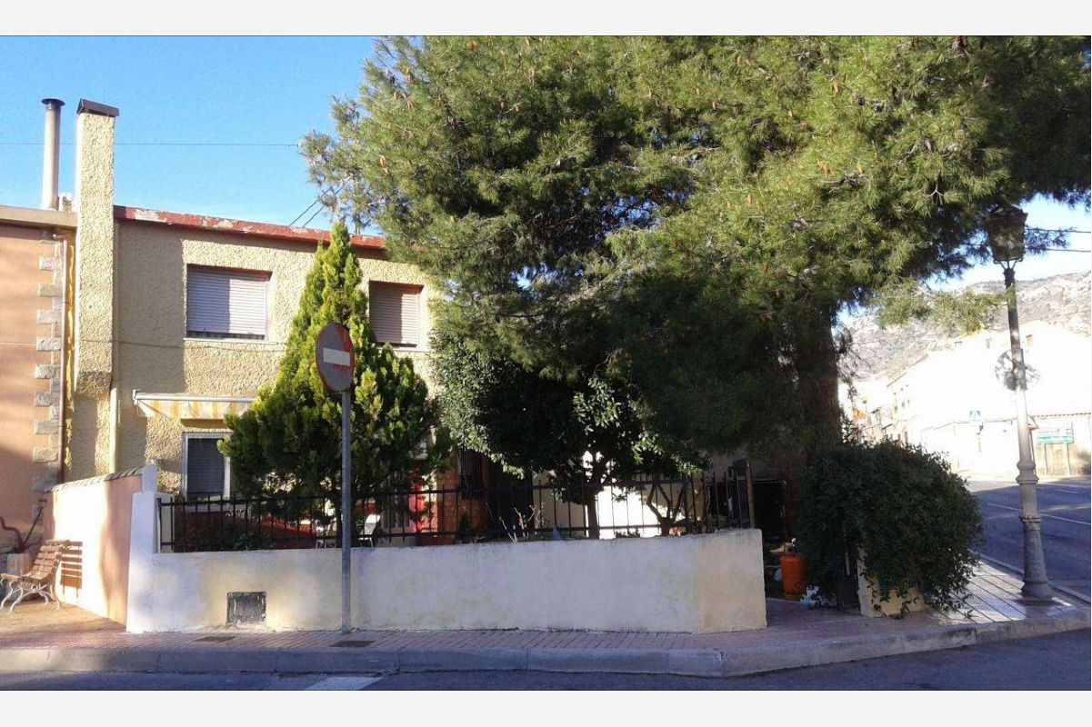 2401: Townhouse in Salinas