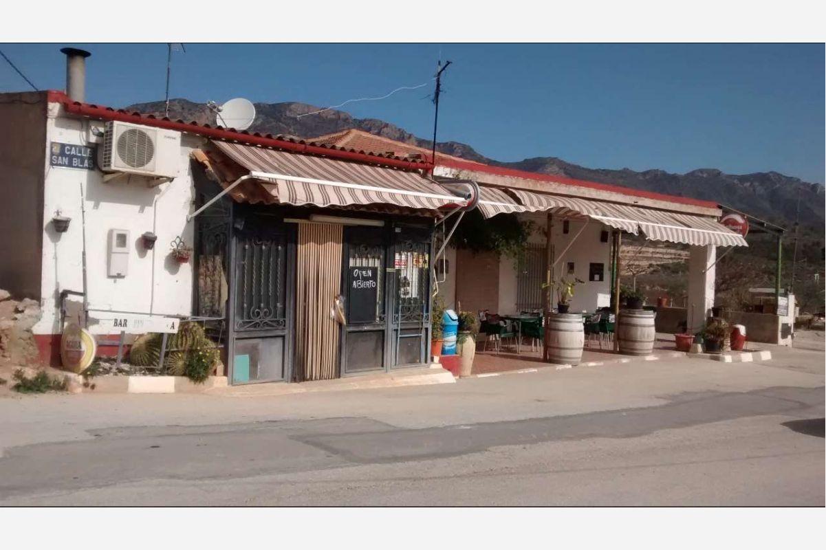 2404: Townhouse in Abanilla
