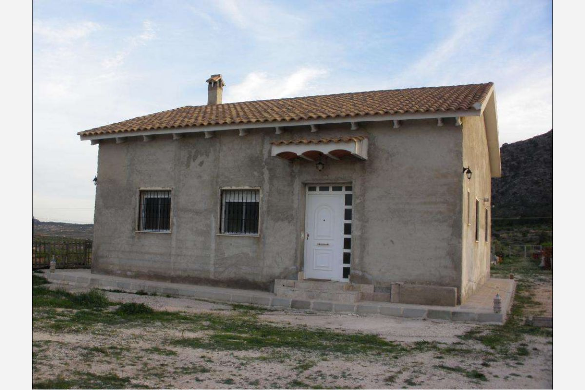2425: country house in Abanilla