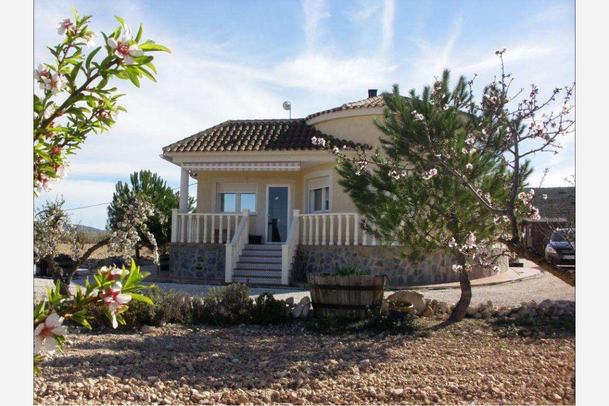 2426: House/Villa in Pinós, el/Pinoso