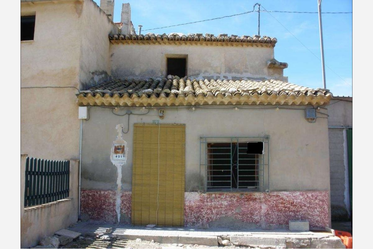 Ref:2429 Townhouse For Sale in Jumilla