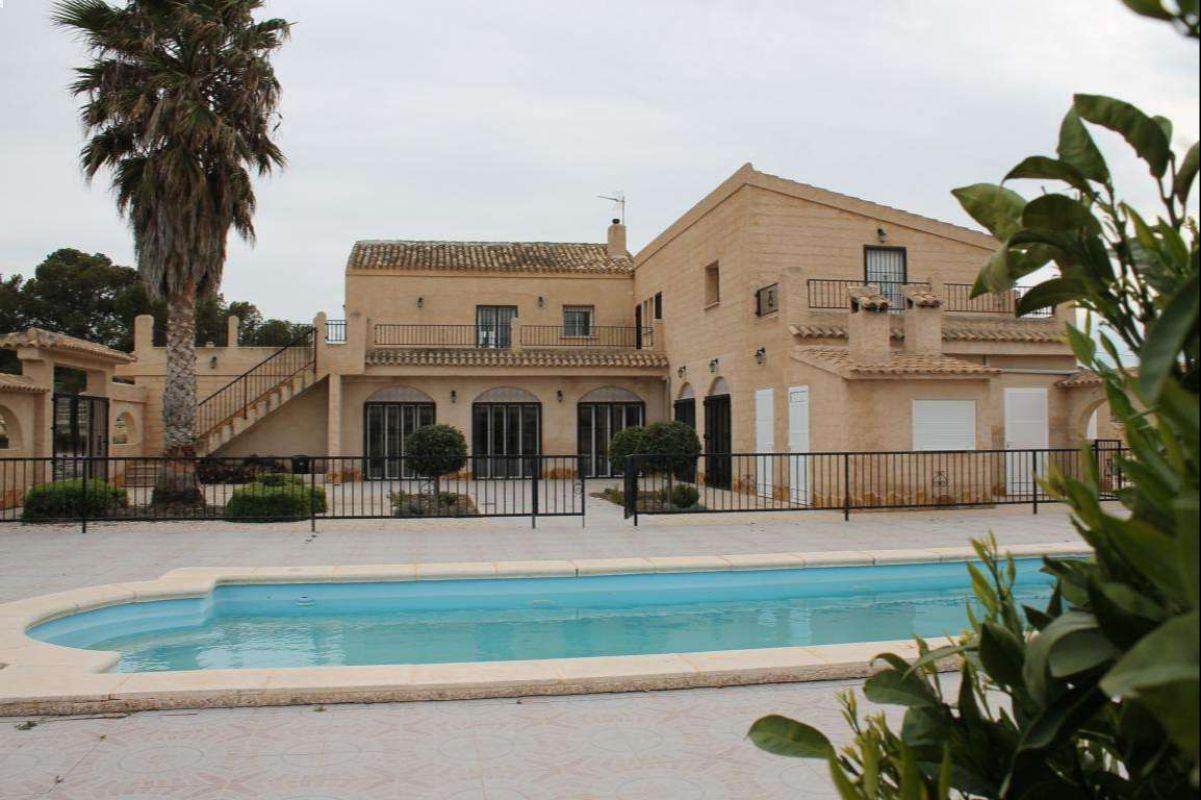 2433: House/Villa in Jumilla