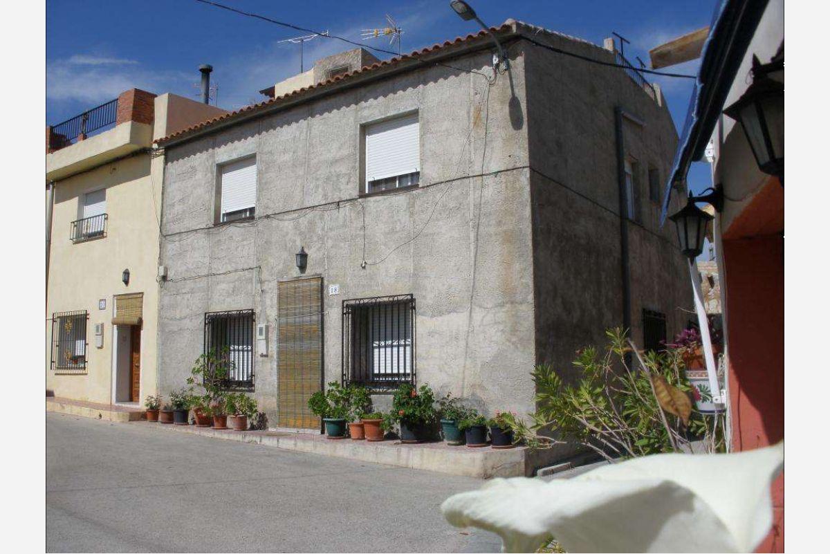 2442: Townhouse in Abanilla
