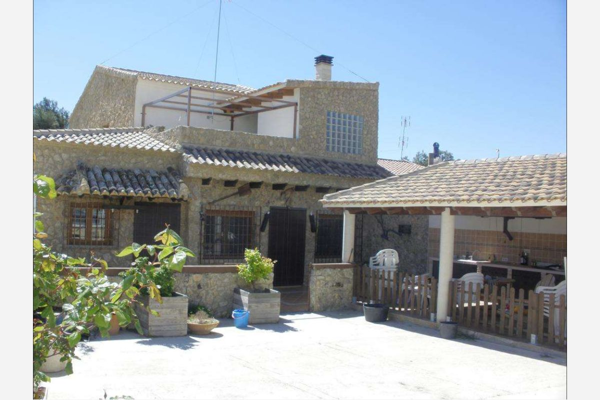 Ref:2449 country house For Sale in Pinós, el/Pinoso