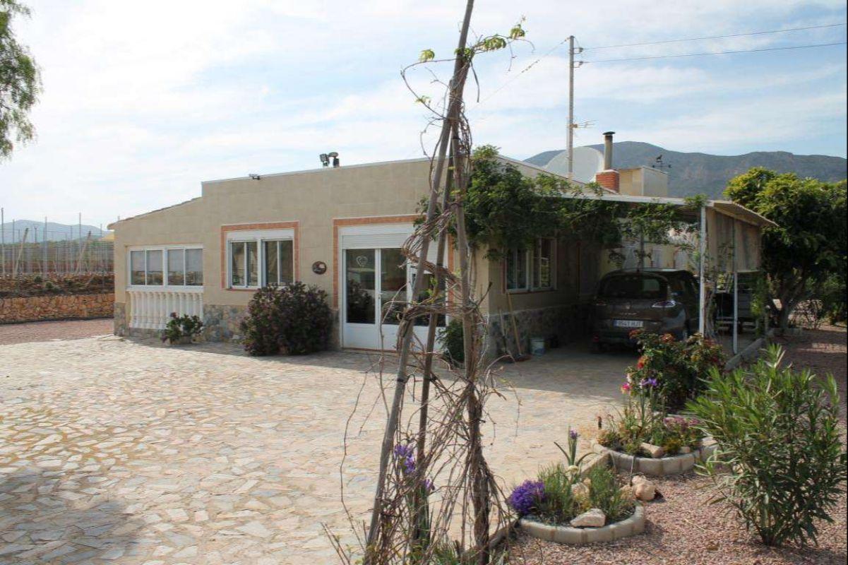 2450: House/Villa in Hondón de las Nieves, Fondó de les Neus