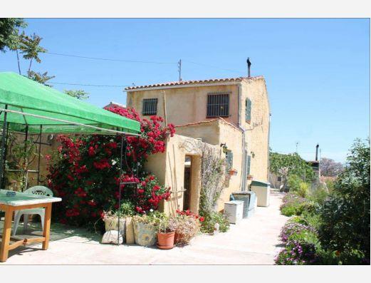 Village house in Casas del Señor, Monova