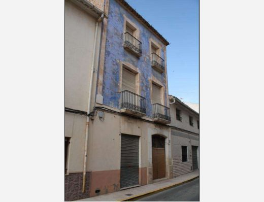 Town house in Pinoso, Alicante