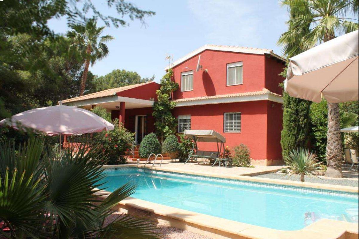 2480: House/Villa in Fortuna