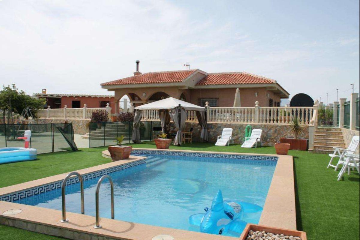 2501: House/Villa in Fortuna