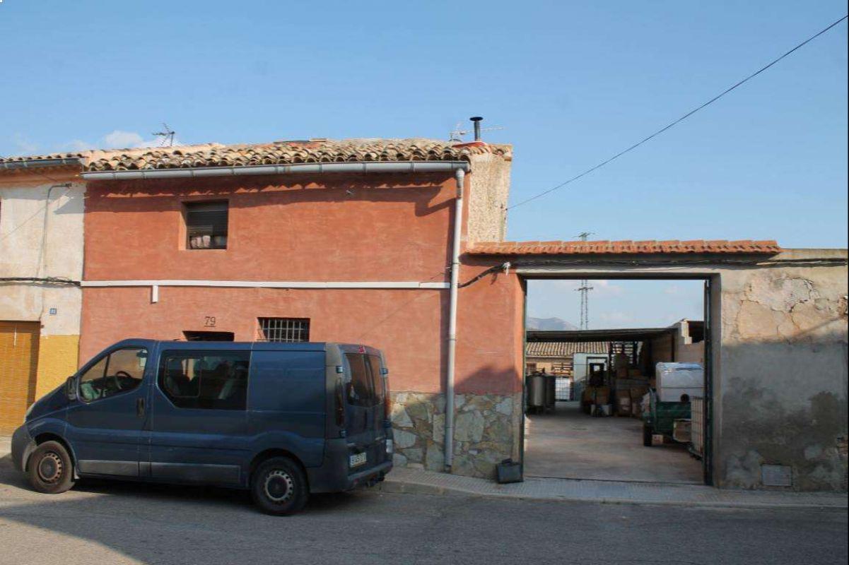 2522: Townhouse in Pinós, el/Pinoso