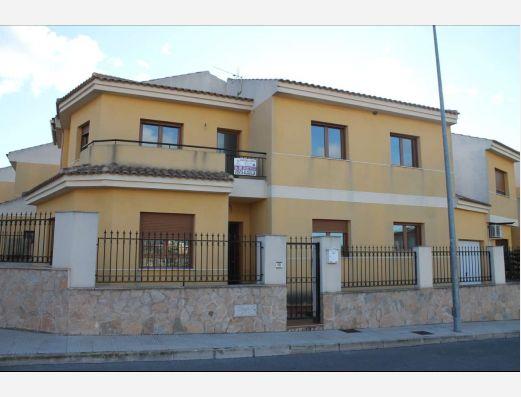 Town house in Pinoso, Alicante