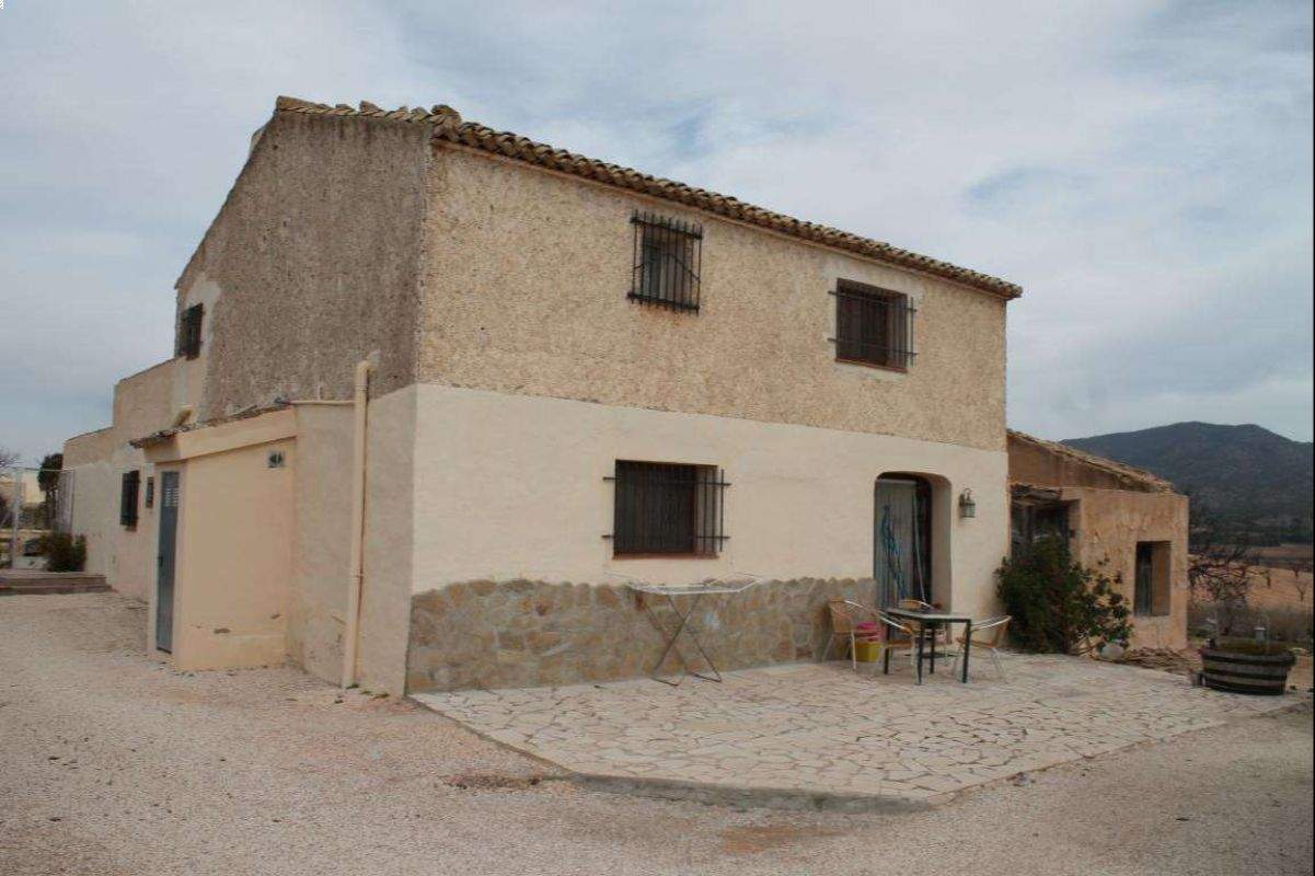 Ref:2542 country house For Sale in Yecla