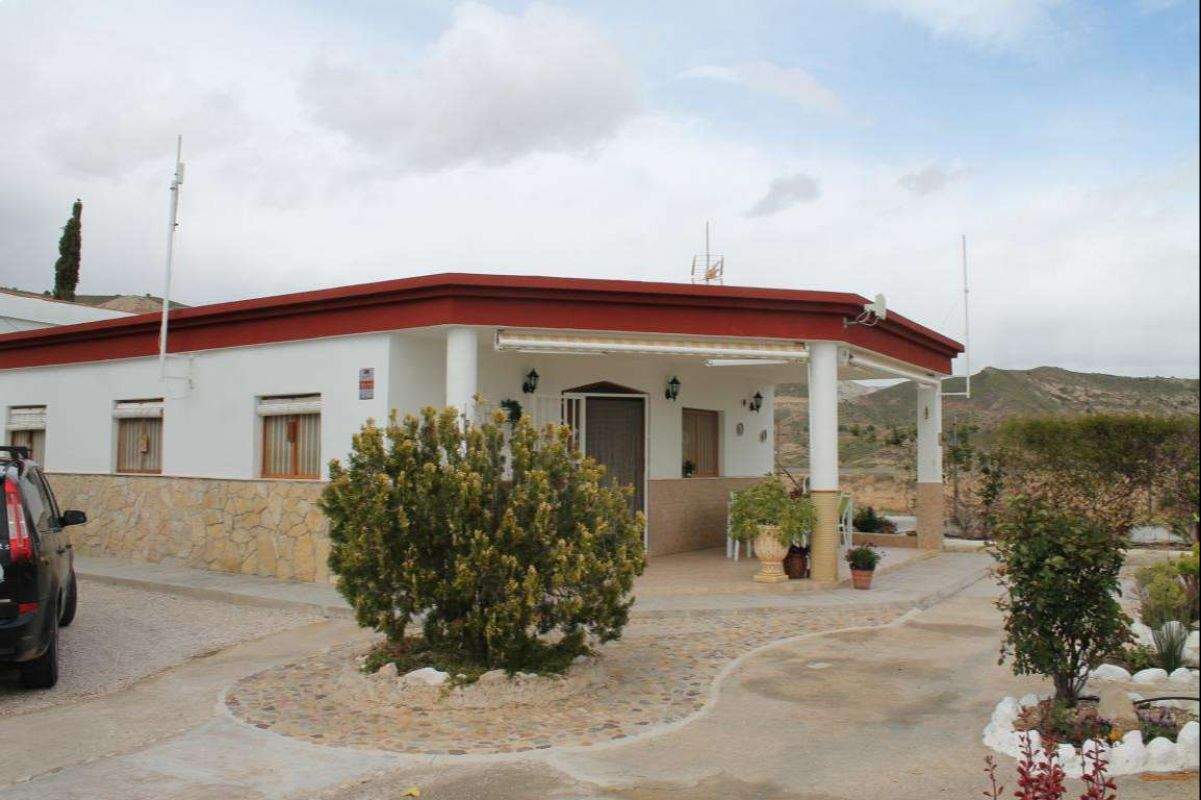 2556: House/Villa in Abanilla