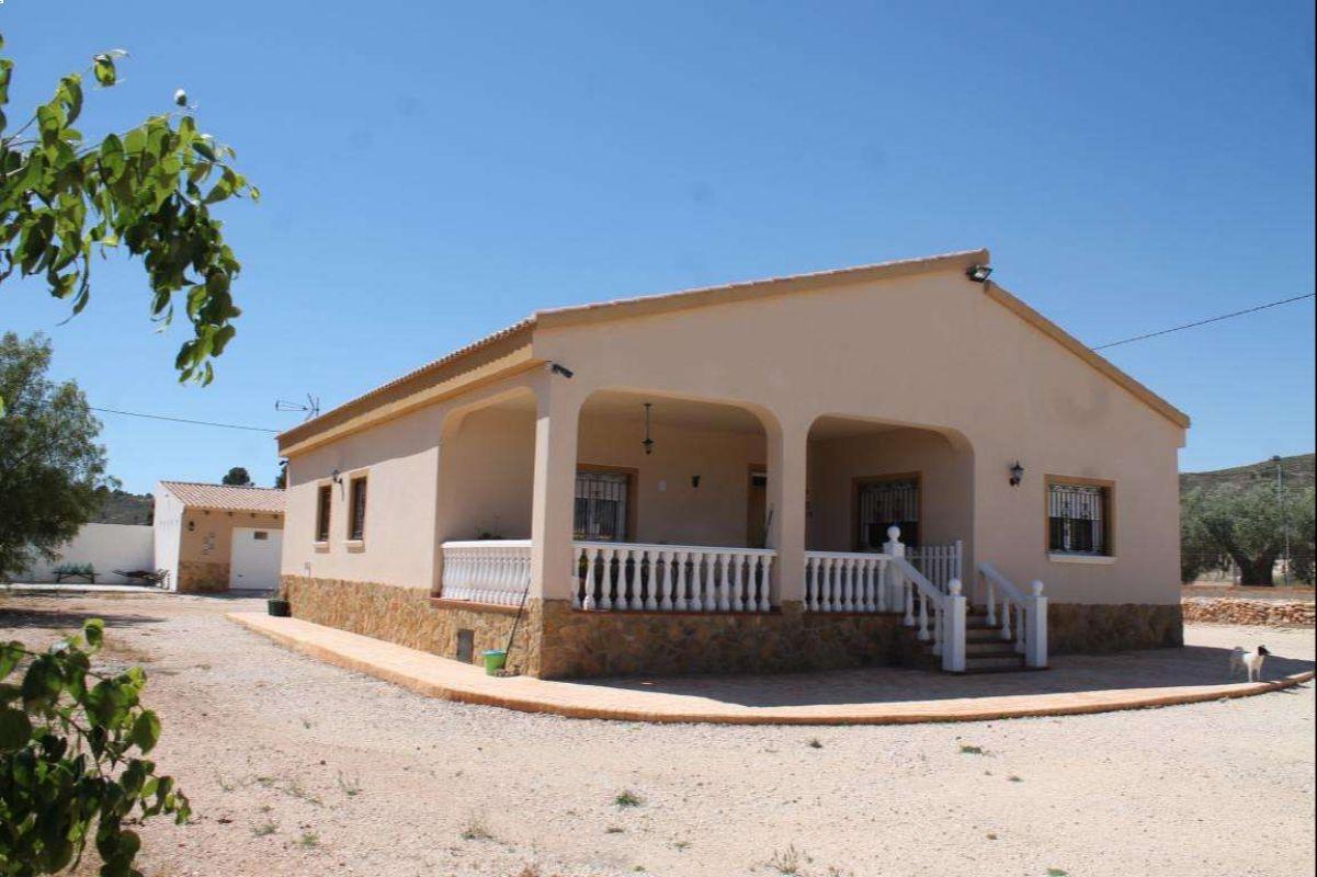 2566: House/Villa in Pinós, el/Pinoso