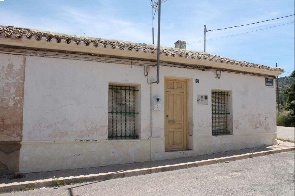 2570: Townhouse in Pinós, el/Pinoso