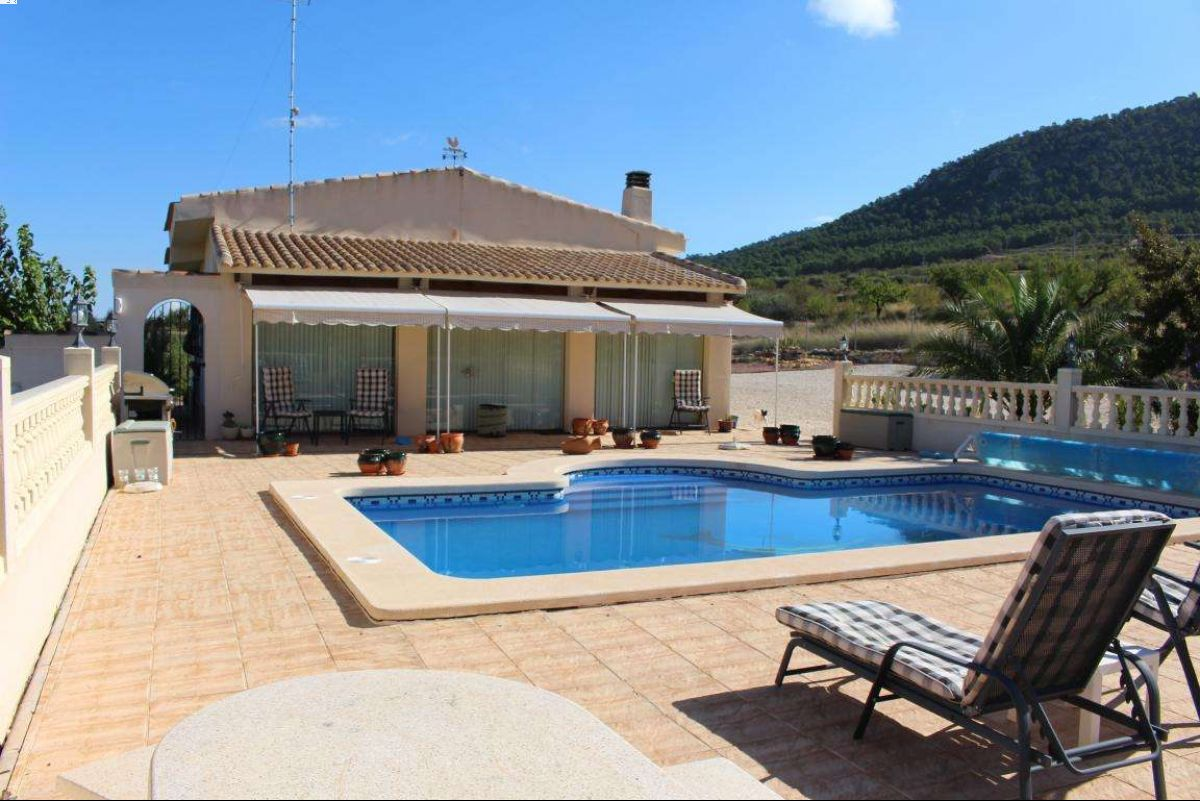 2574: House/Villa in Jumilla
