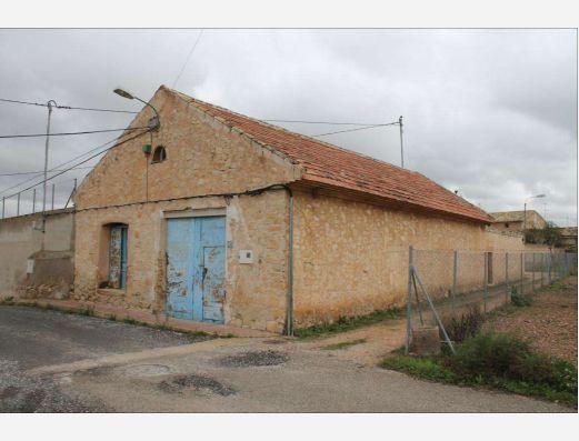 Bodega for reform near Pinoso Alicante