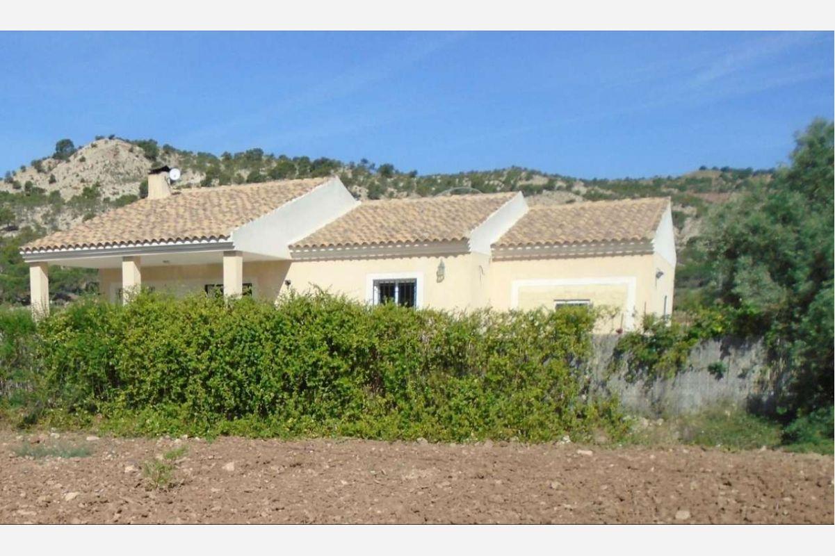 Ref:2579 House/Villa For Sale in Pinós, el/Pinoso